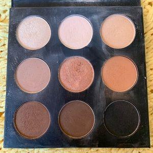 Studio makeup neutral eye shadow palette